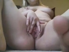 Girl squirting on cam webcamgirls-here.com