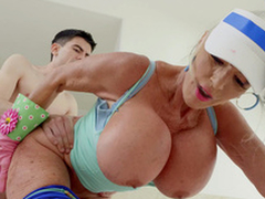 Sally D'Angelo receives fucked by Jordi doggystyle