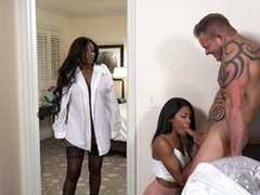 Diamond Jackson caught Indigo Narcissism sucking hard white cock