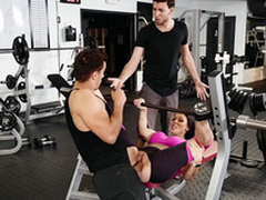 Boyfriend's weak XXX potential makes Rachel Starr cheat in the gym